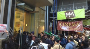 Tuba-Toting Protesters Swarm Midtown Restaurant, Lawsuit Claims – DNAinfo.com New York