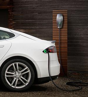 Destination dining, the Tesla way